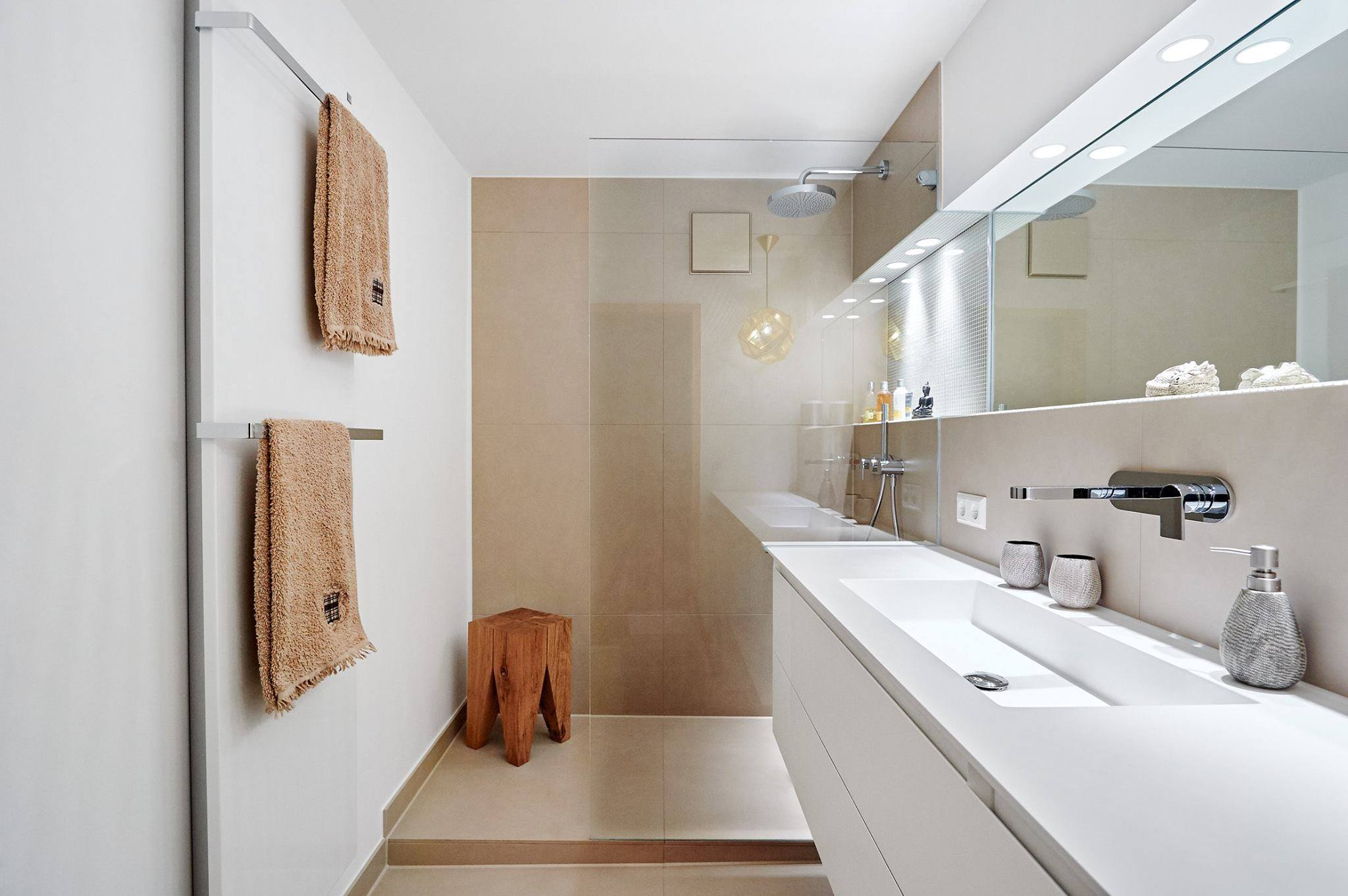 Come arredare un bagno in stile nordico ideagroup blog for Mobile stretto