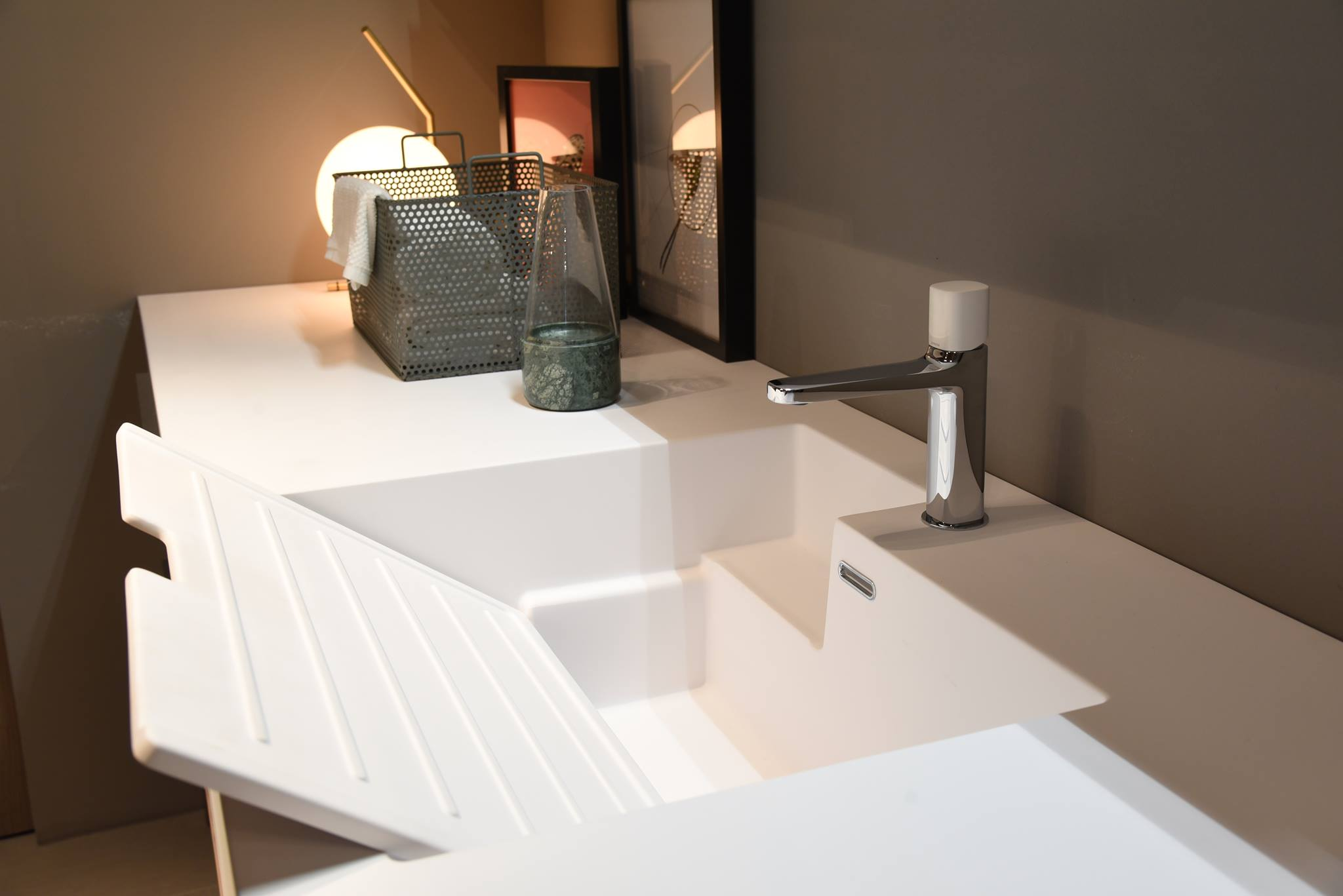 Ottimizzare gli spazi come arredare un bagno lavanderia for Arredare bagno piccolo con lavatrice
