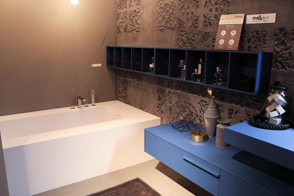 Bagni Colorati Blu : Come arredare il bagno con il blu e l azzurro ideagroup