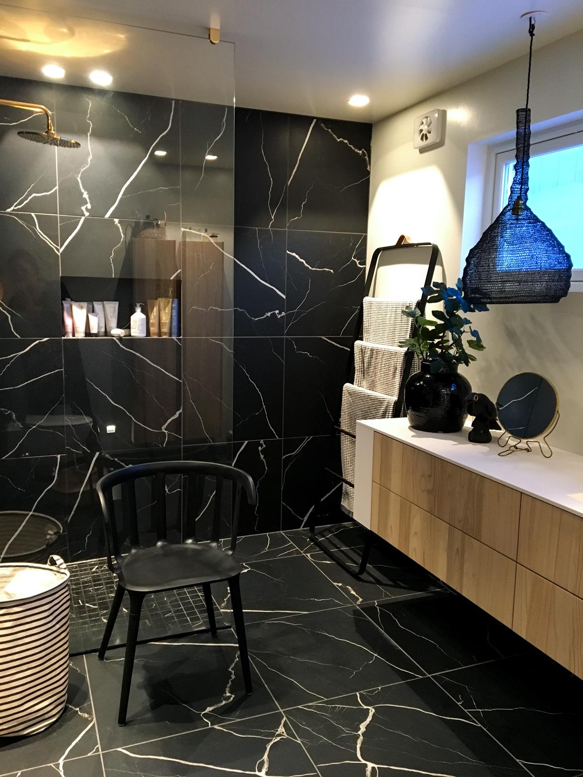 Bagno di marmo with bagno di marmo galleria foto bagni - Bagno di marmo ...
