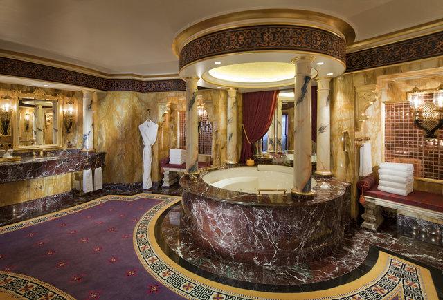 Come progettare un bagno da hotel di lusso a casa for Bagno padronale di lusso