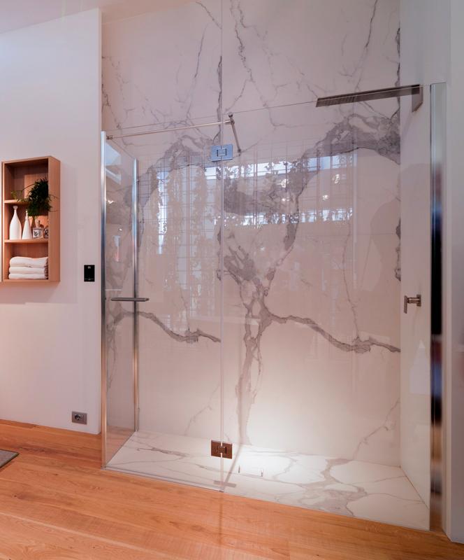 Scegliere il rivestimento del box doccia materiali e - Rivestimento bagno effetto marmo ...