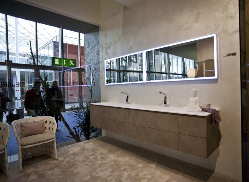 Salon international de la salle de bains milan italie for Salle de bain italie