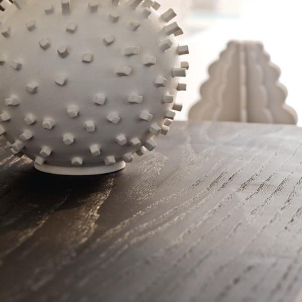 Encimera de madera de roble con acabado cepillado a mano