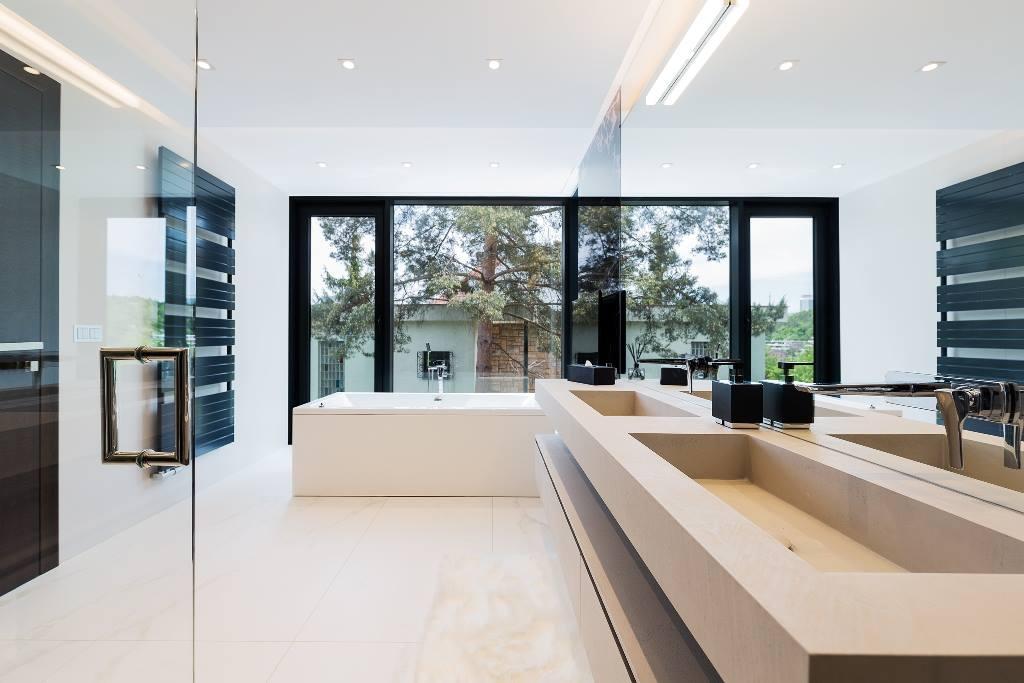Pavimento Bianco Colore Pareti : Come scegliere il colore delle pareti del bagno ideagroup blog