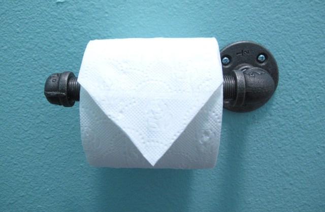 Bagno stile industrial chic porta carta igienica con - Accessori bagno porta carta igienica ...