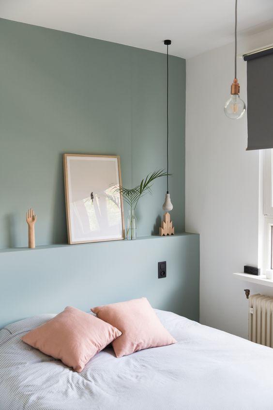 parete verde salvia camera da letto - Ideagroup Blog