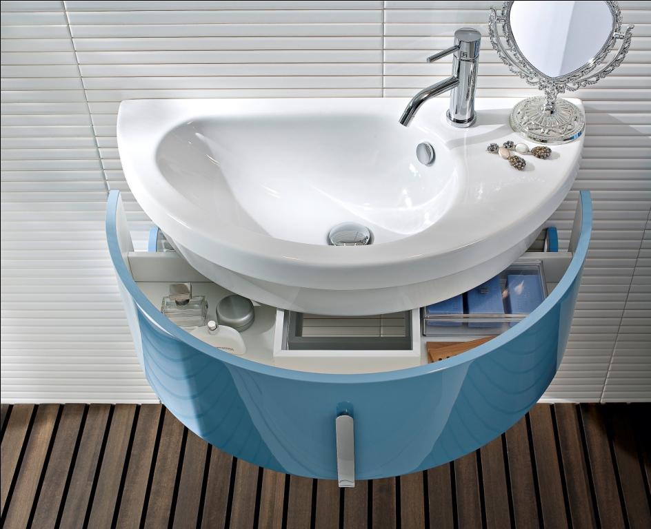 Mobile bagno Moon su Repubblica Casa&Design